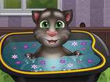 Baby Talking Tom Bathing